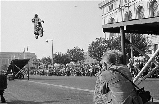 BOBBY KNIEVEL. >>>>> FATHER OF >>>>>>> MOTORCYCLE JUMPING